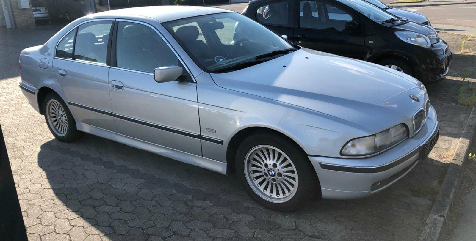 BMW 525i 2,5  4d