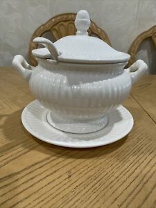 Vintage White Glossy SOUP TUREEN  Matching Lid, Ladle And Plate Made In Japan