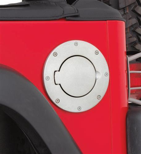 Polished Brand New Smittybilt Jeep 97-06 Wrangler TJ LJ Billet Style Gas Cover