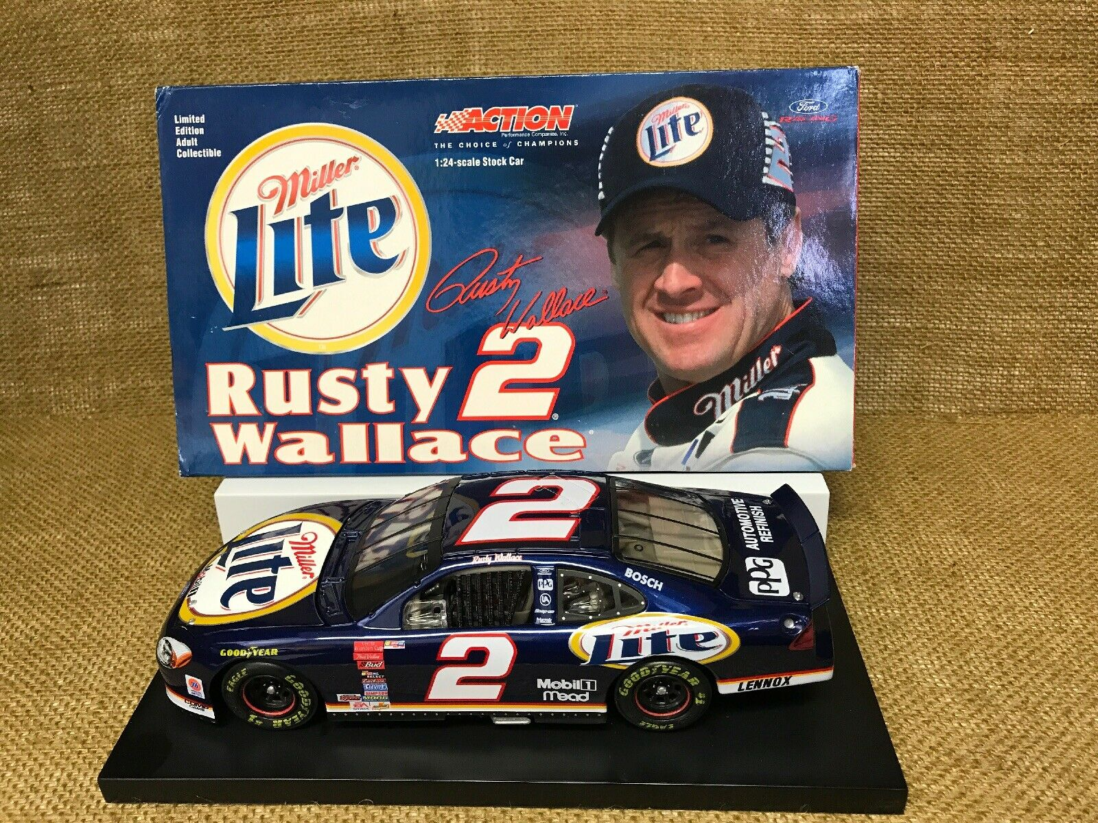 Action 2001 NASCAR Miller Lite Rusty Wallace 2001 Ford Taurus