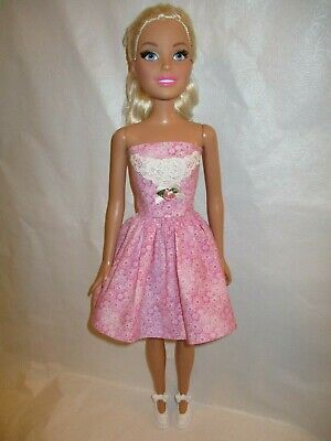 BARBIE PINK PLEATED DRESS KATHERINE JOHNSON COLLECTOR FASHION FASHIONISTA MODEL