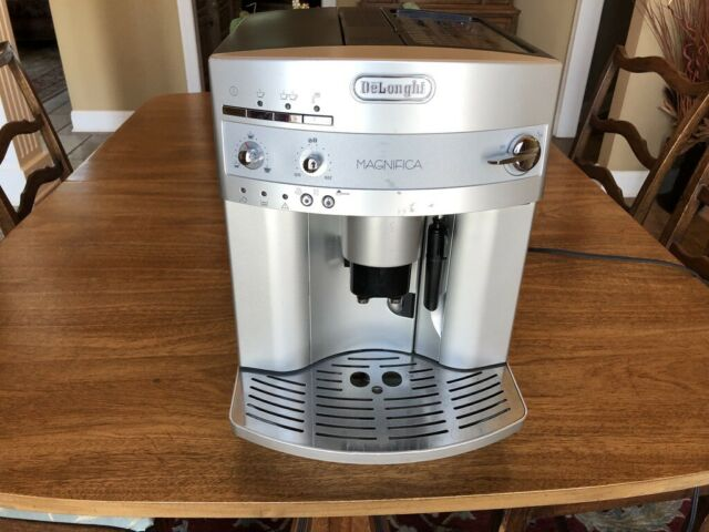 Gently Used - DeLonghi Esam 3300 Magnifica Super Automatic Espresso Machine