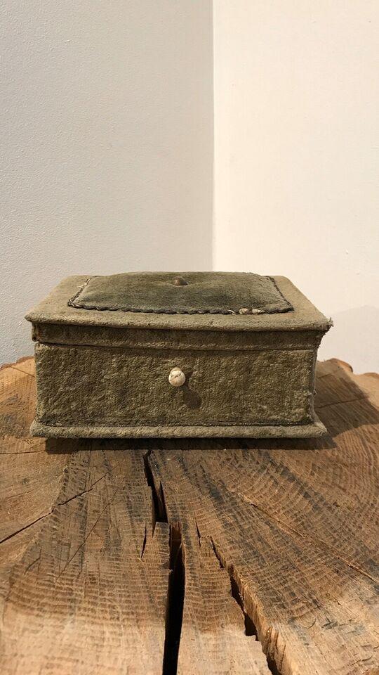 Smykkeskrin, andet materiale, Gammel fransk skrin
