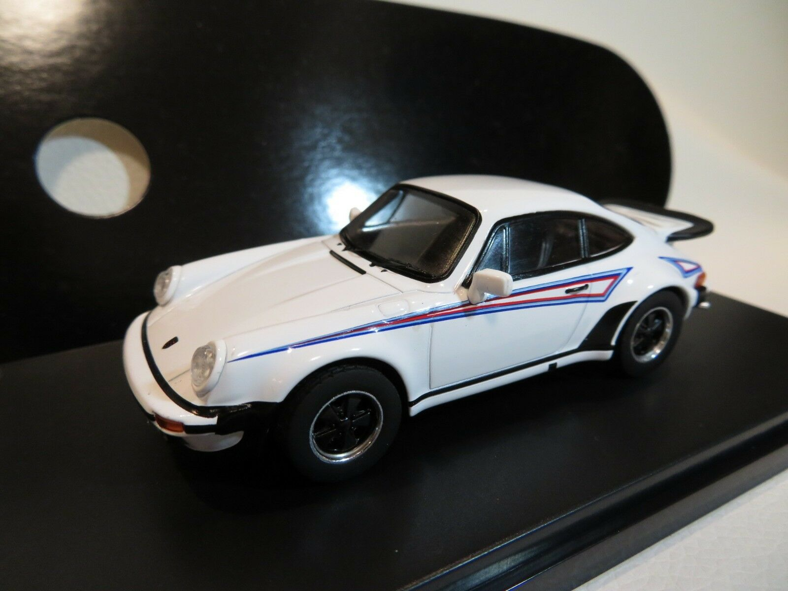1 43 Porsche 911 Turbo Diecast Martini (1975)