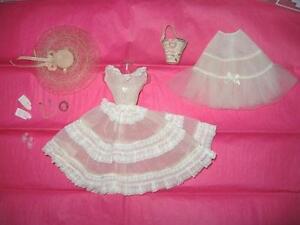 26072c2b25e4 Vintage Barbie   966 Plantation Belle Lace Variation Near Complete ...