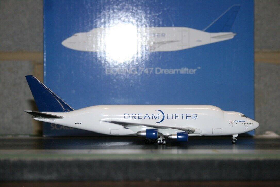 Hogan 1 400 Boeing Company 747-400LCF Dreamlifter N718BA (HG8515) Model Plane