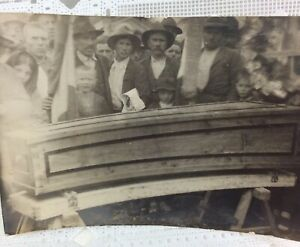 Vintage-Postcard-RPPC-Mourning-Funeral-Pine-Box-Burial-Flags-European