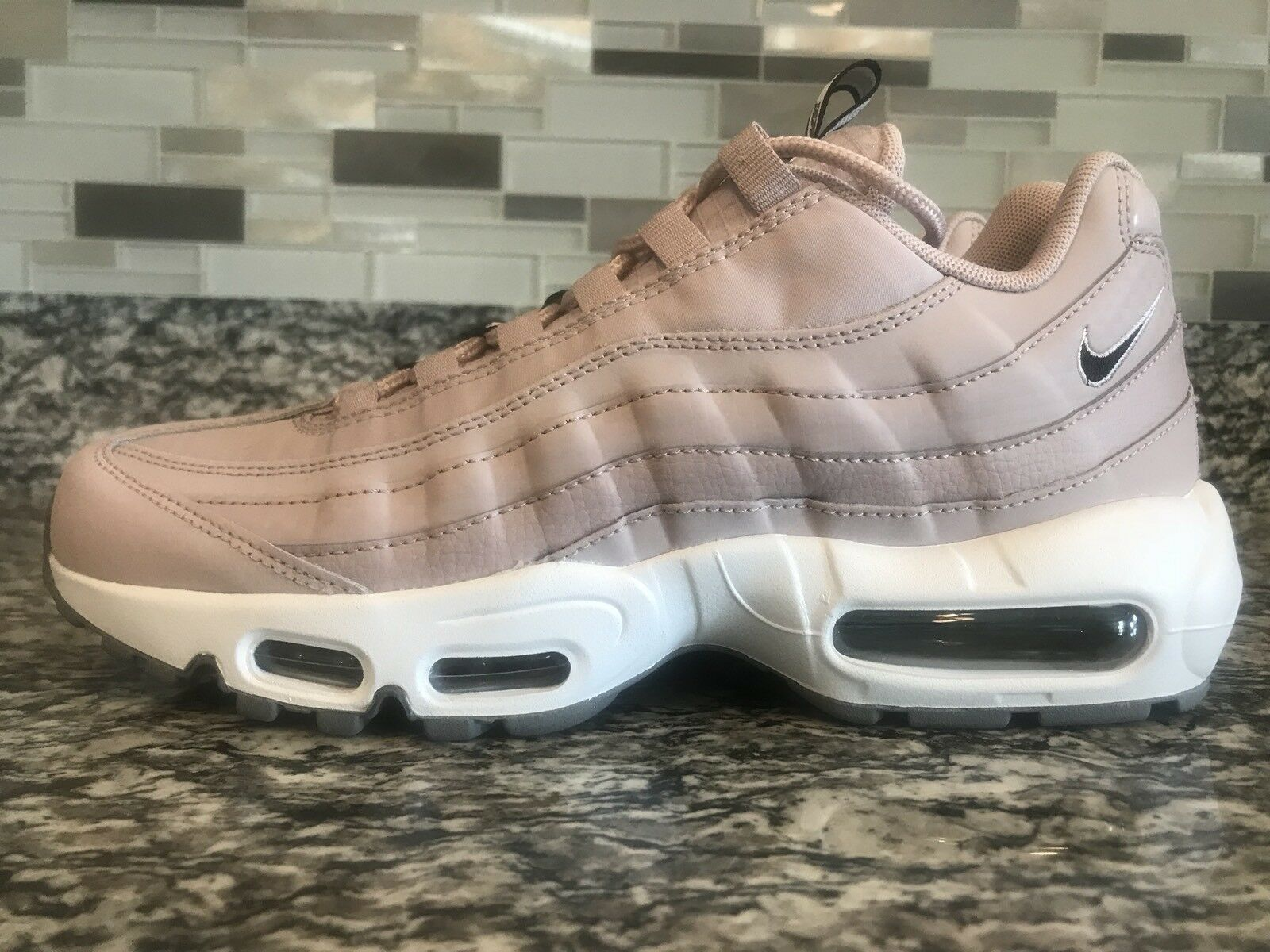 pretty nice 10e3c 7f423 Nike Air Max 95 Mens Mens Mens SZ 8.5 Pull Tab Particle pink White Cool Grey