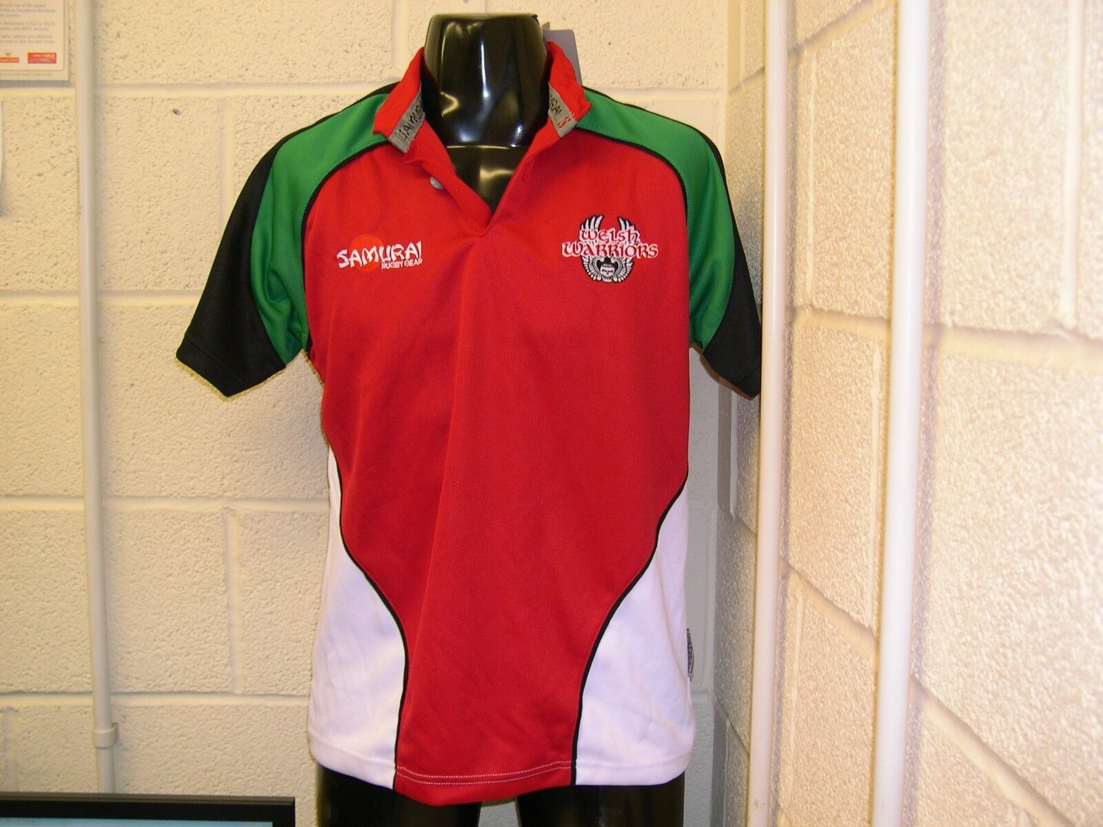 Samurai Welsh Warriors Rugby Jersey Size UK Extra Small Mens
