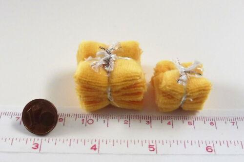 M1zu12 Puppenstube 7105# Miniatur Badetücher und Handtücher gelb Puppenhaus