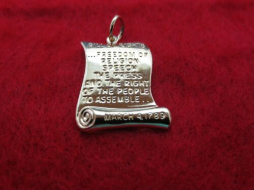 """14 KT GOLD EP BILL OF RIGHTS  PATRIOTIC CHARM PENDANT WITH 16/"""" ROPE CHAIN-307"""