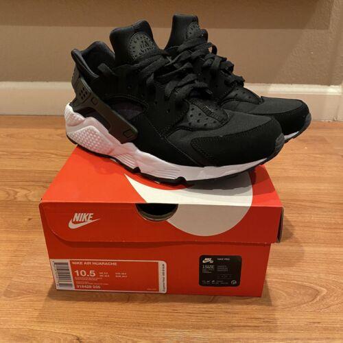 Nike huarache Black/White Size 10.5
