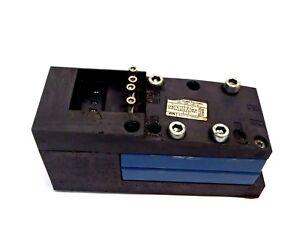 Rexroth-261-208-120-0-Pneumatic-Solenoid-Valve-24VDC-Max-10-Bar-01w25