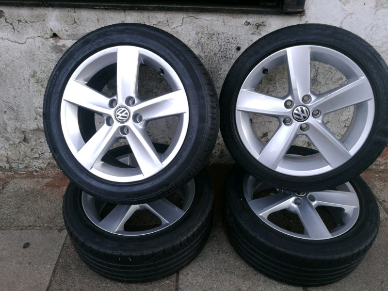A set original of polo tsi 16 inch rims and treys for sell