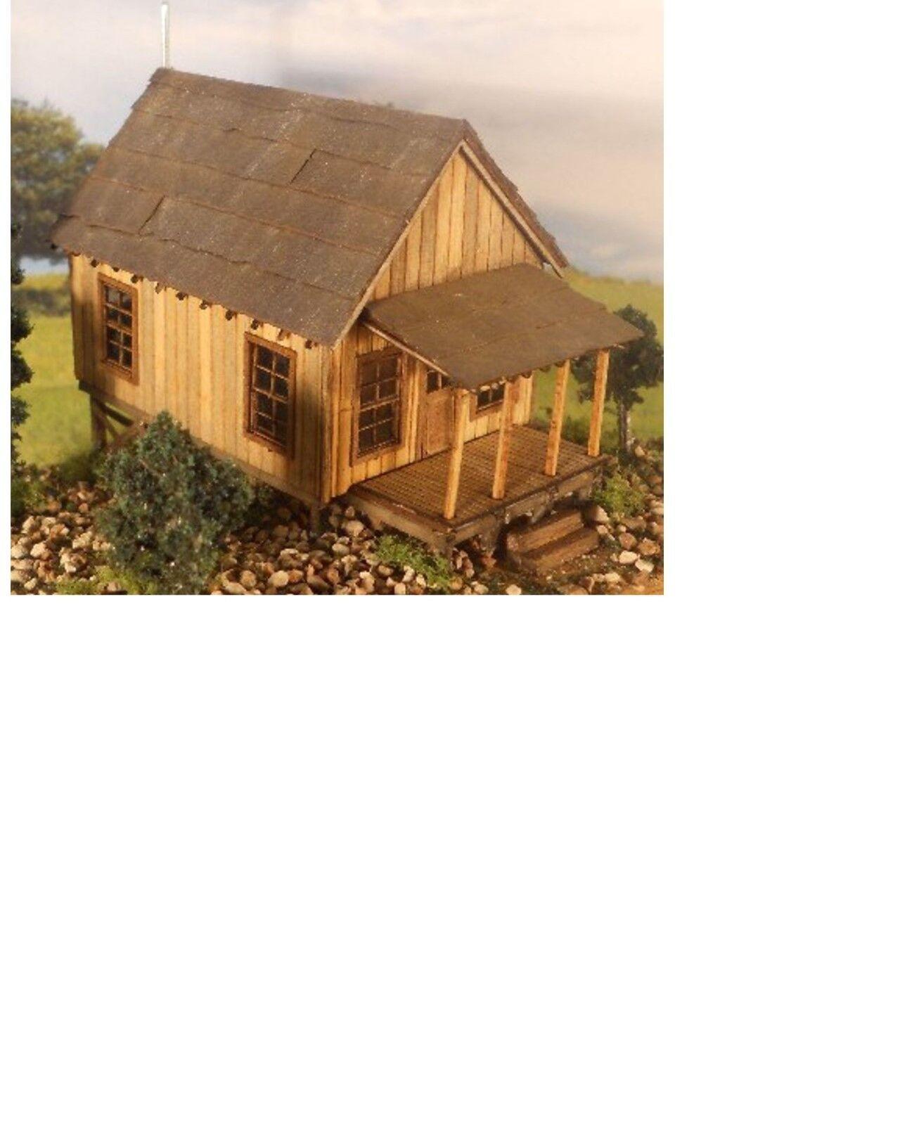 H0 / HOn3    Carl's cabin Kit 2048