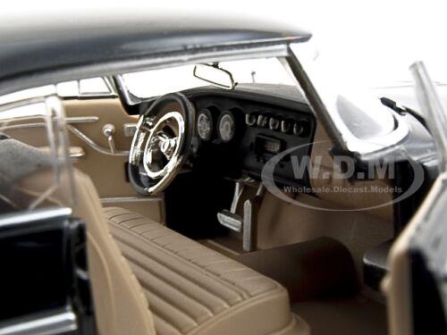 1955 CHRYSLER C300 BLACK 1//24 DIECAST MODEL CAR BY MOTORMAX 73302
