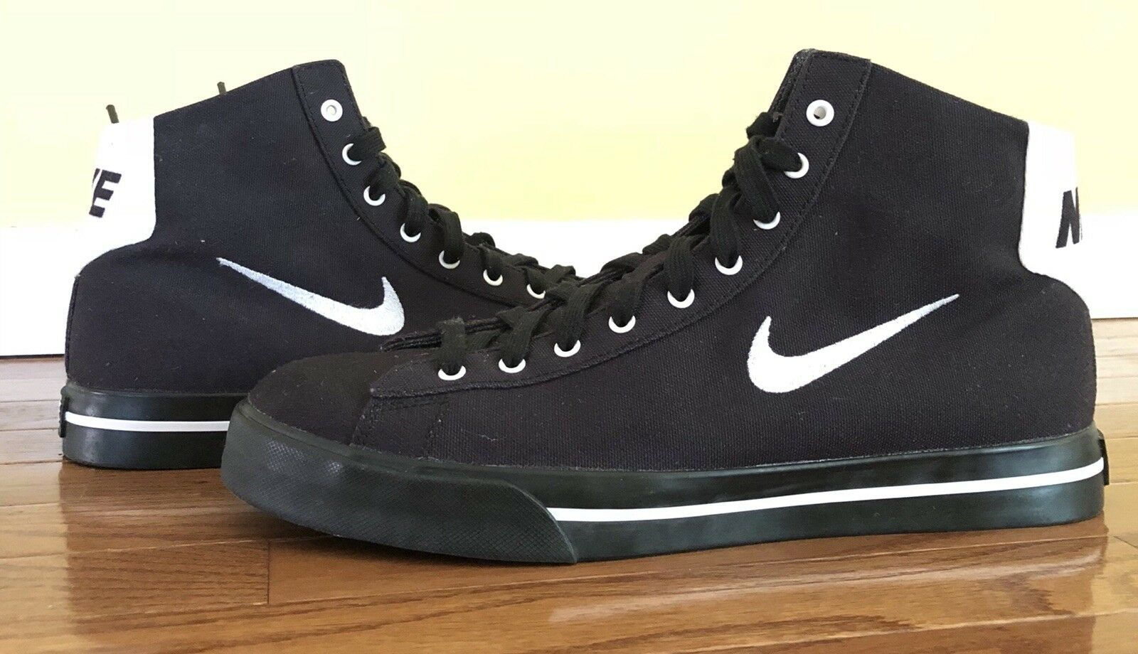 Rare Nike Top Men's SB Blazer Mid Top Nike Canvas Shoes 12.5 Black 9011a0
