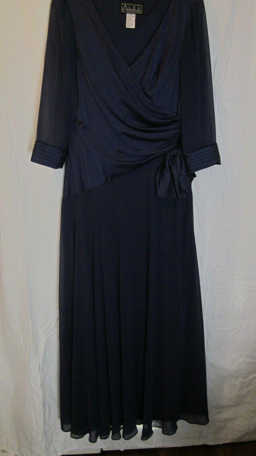 Beautiful Alex Evenings Full Length Formal Dress NEW