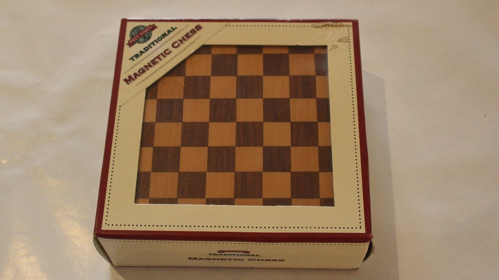 Square Wooden Magnetic Chess Travel Game Set. Set. Set. Past Times 13.50cmx13.50 cm 251e36