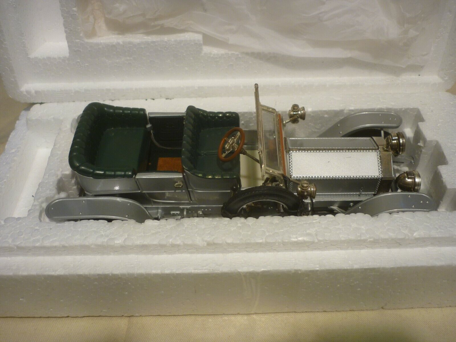 Un modelo de escala Franklin Mint de un 1907 Rolls Royce Fantasma De argento, En Caja