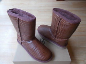 177d9192f3d Details about UGG Australia Classic Short Croco Spice Shearling Flat Boots  1012900 sz 6 NEW