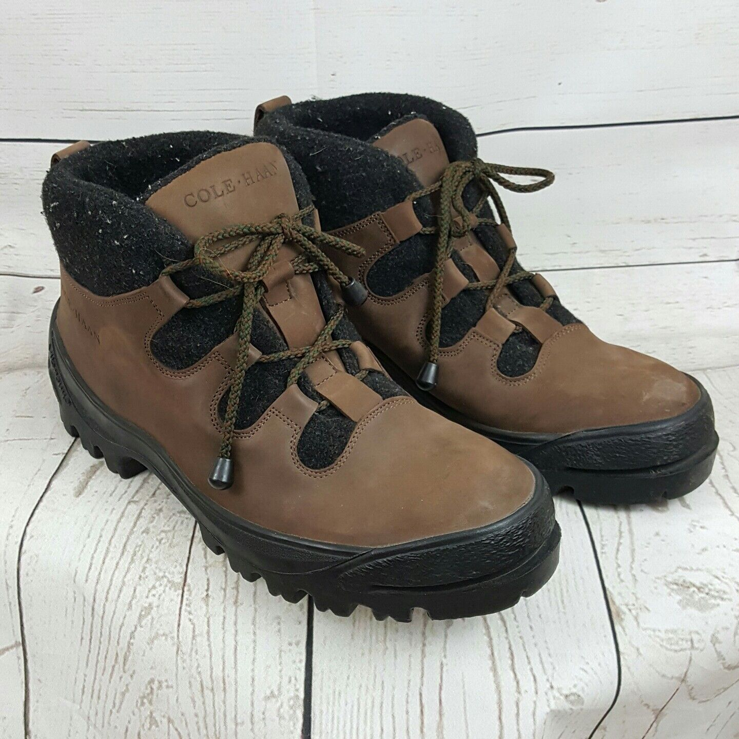 Cole Haan Mens Lace Up hiking Boots 10 M Vikram sole