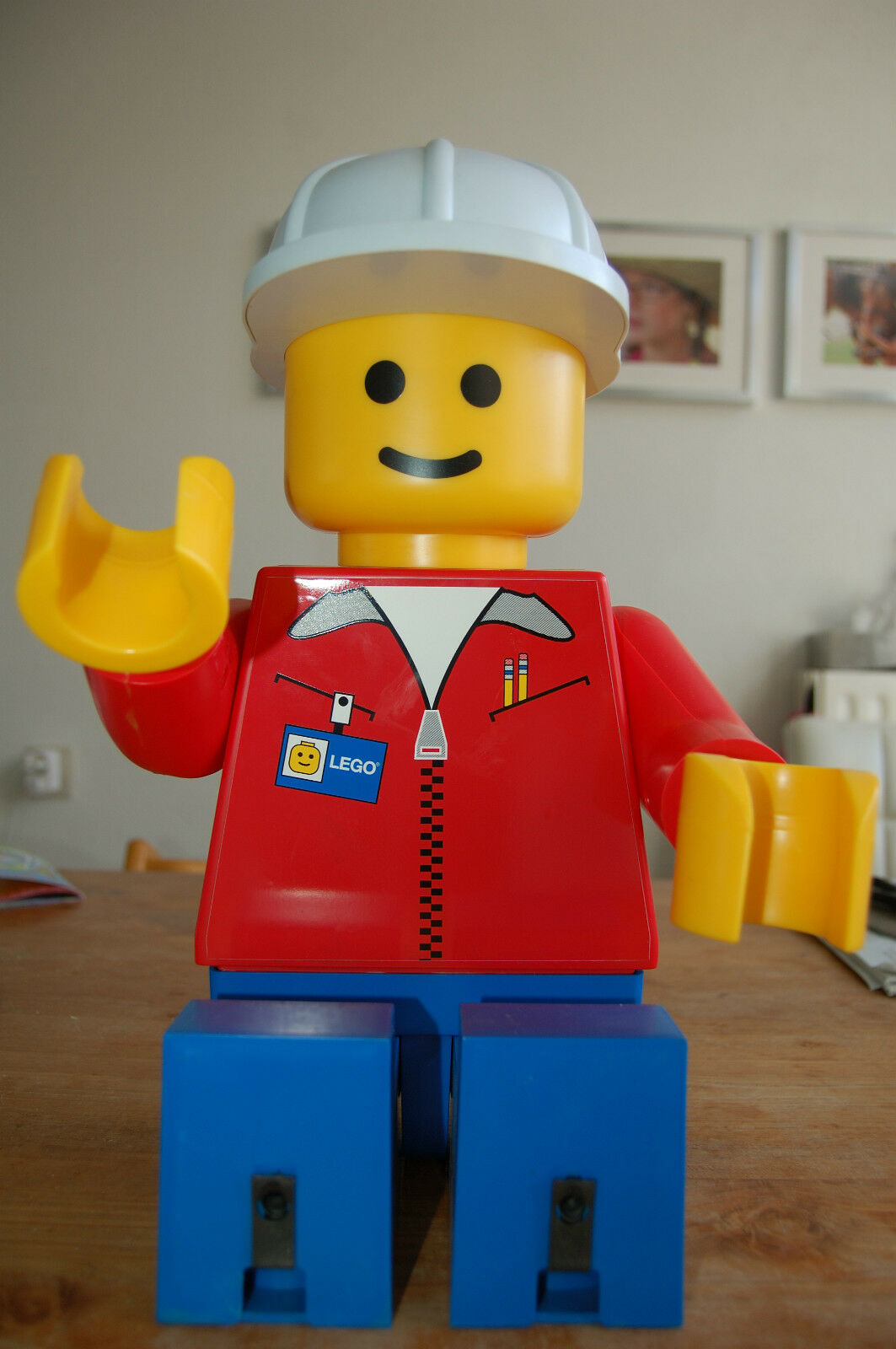 Lego giant 19 inch shopdisplay minifig