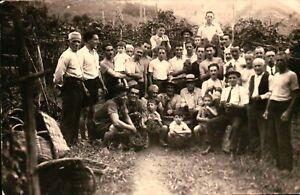 FOTO DEL 1930ca - GRUPPO DI LAVORATORI O FAMIGLIARI IN CAMPAGNA -
