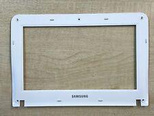 Samsung NP-NF110 LCD Surround Bezel Screen Trim Front White Frame BA75-02702B