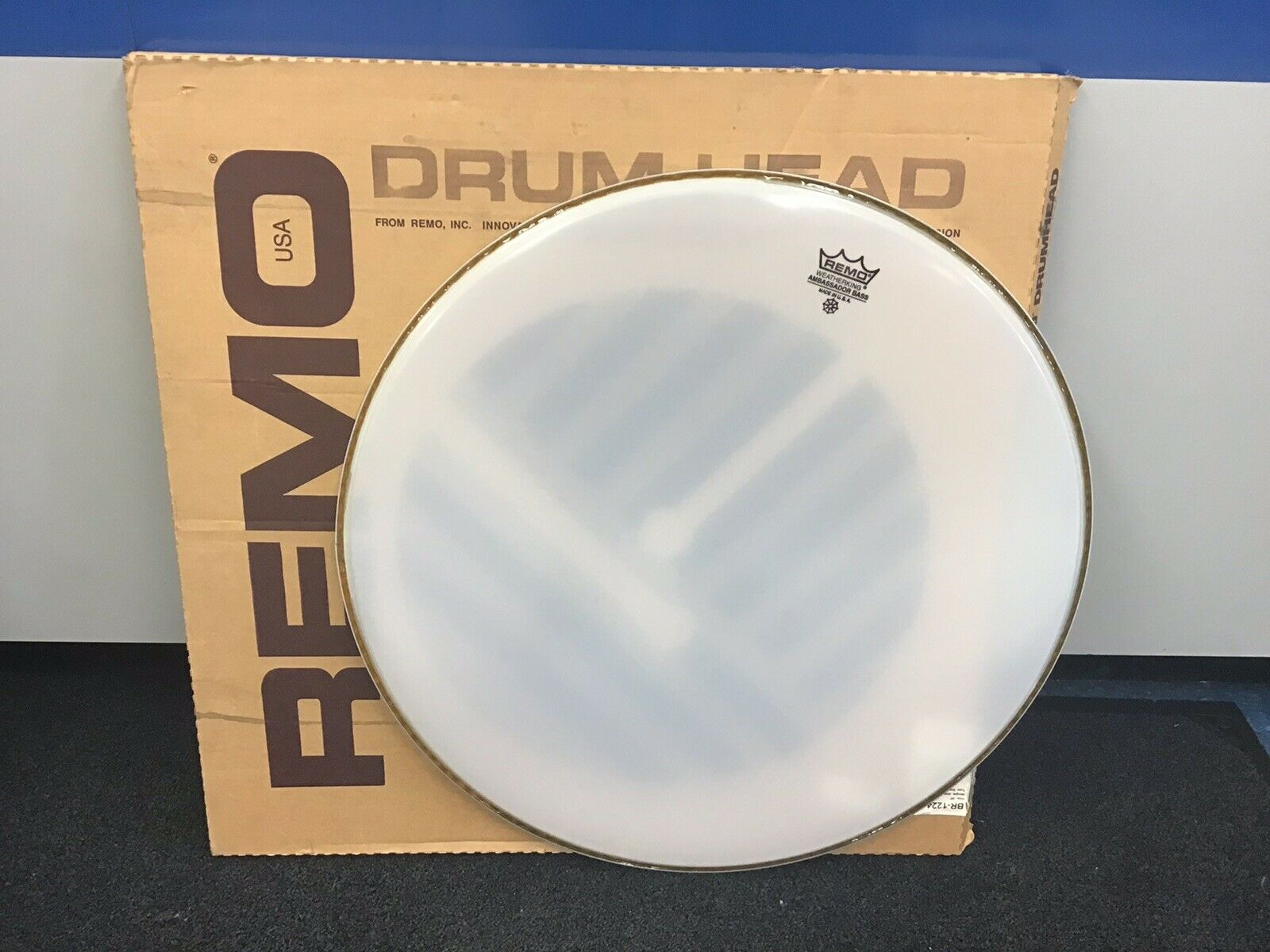 Remo Smooth White Ambassador Bass Drum Head 24 in. BR-1224-00 Made in USA