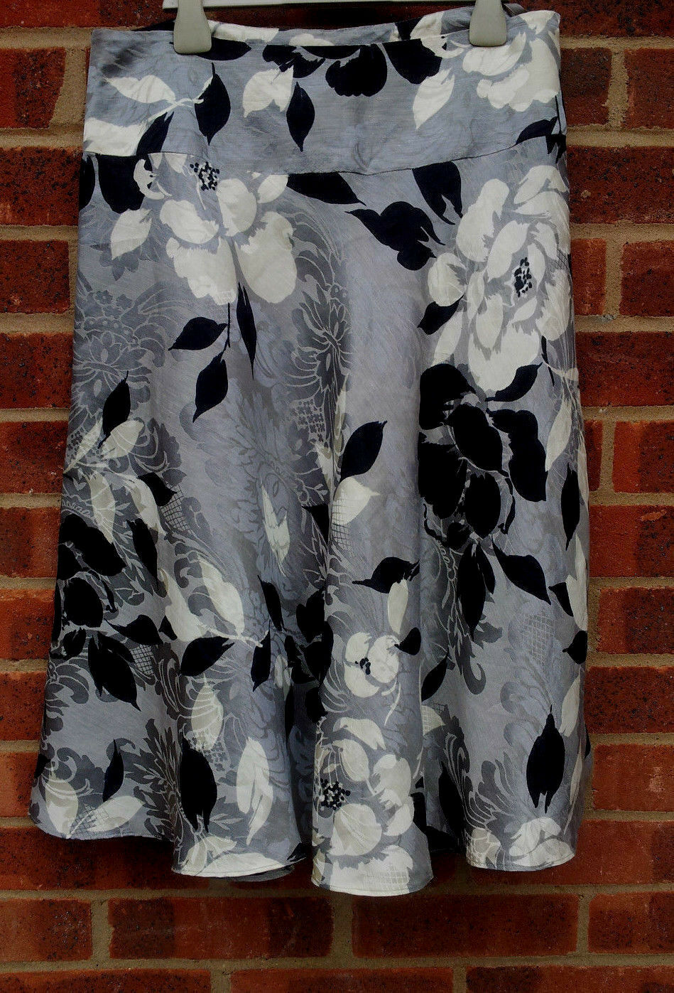 Phase Eight Silk Blend Floral Pattern Skirt