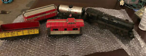 Vintage-Marx-Toy-Tin-Locomotive-Windup-Train-As-Is-No-Key-Set