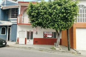 Casa en venta sobre la prolongación de la 12a Norte Poniente, muy cerca de casa de Gobierno