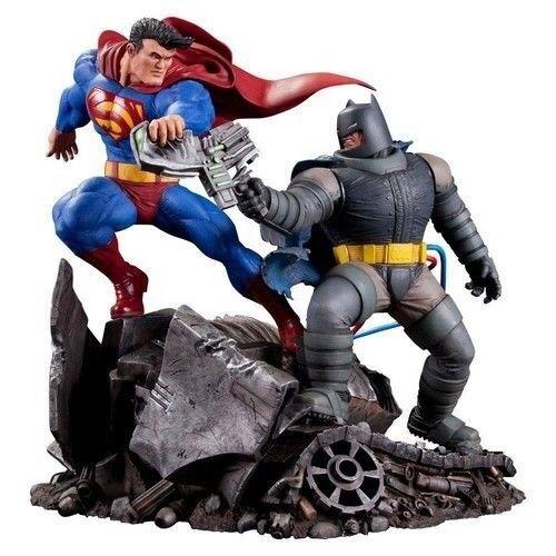 The Dark Knight Returns Superman vs Batman Figure Statue Statue Statue DC Collectibles c9cac2