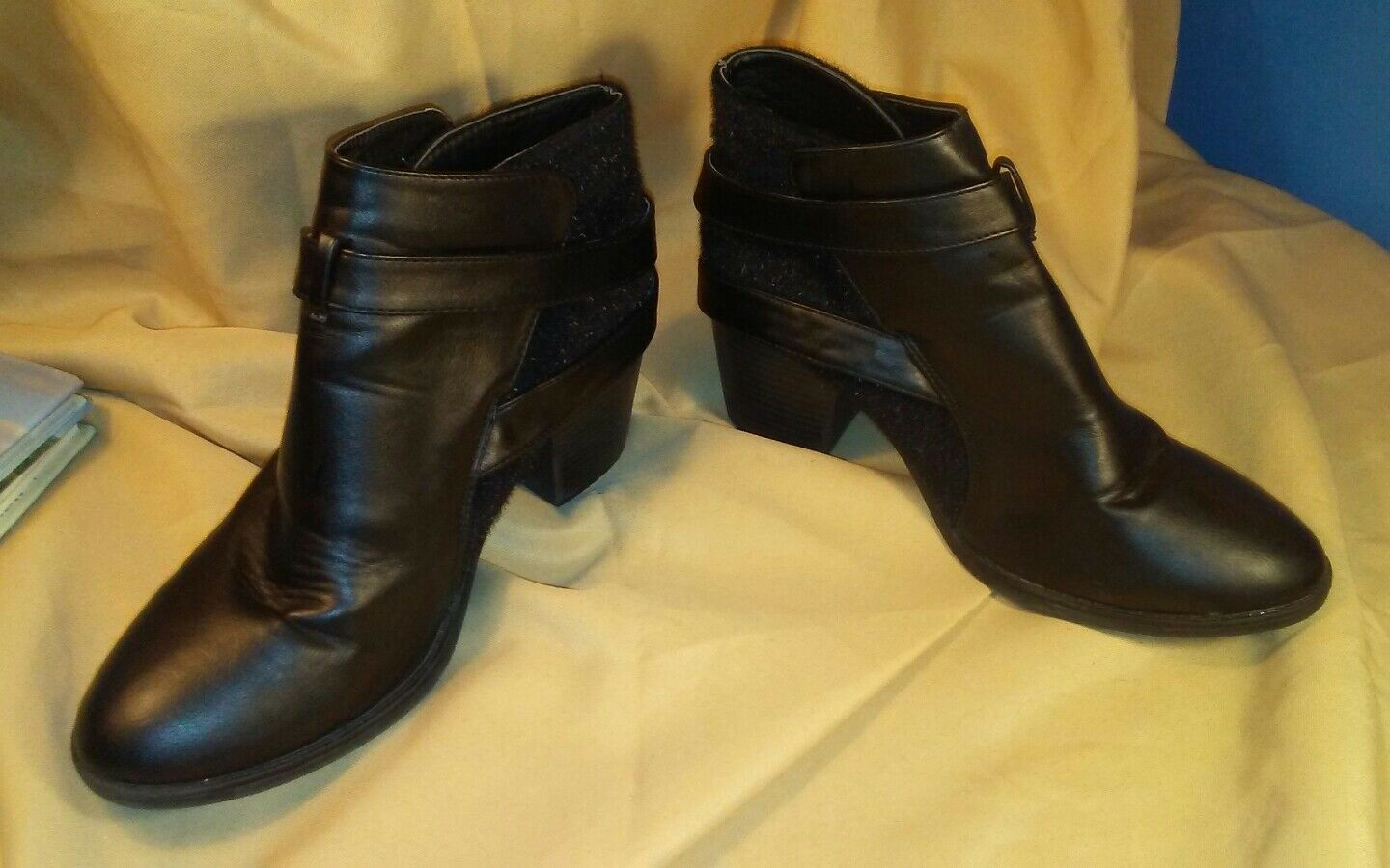 Massini Lillian Faux Leather/Pony Hair Buckled Black Ankle Boots/Booties sz 9M