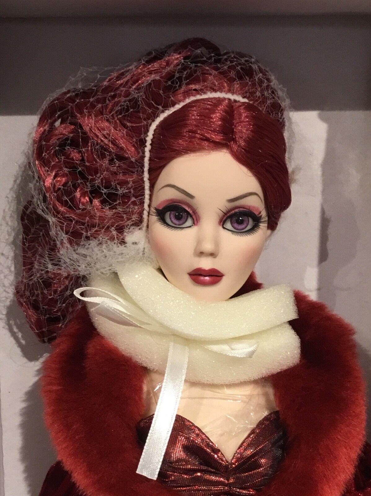 Tonner Blood Moon Winters Evangeline Ghastly doll NRFB LE 350