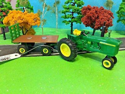 ERTL 4020 Diesel Farm Toy Tractor with Hay Wagon TOMY JOHN DEERE