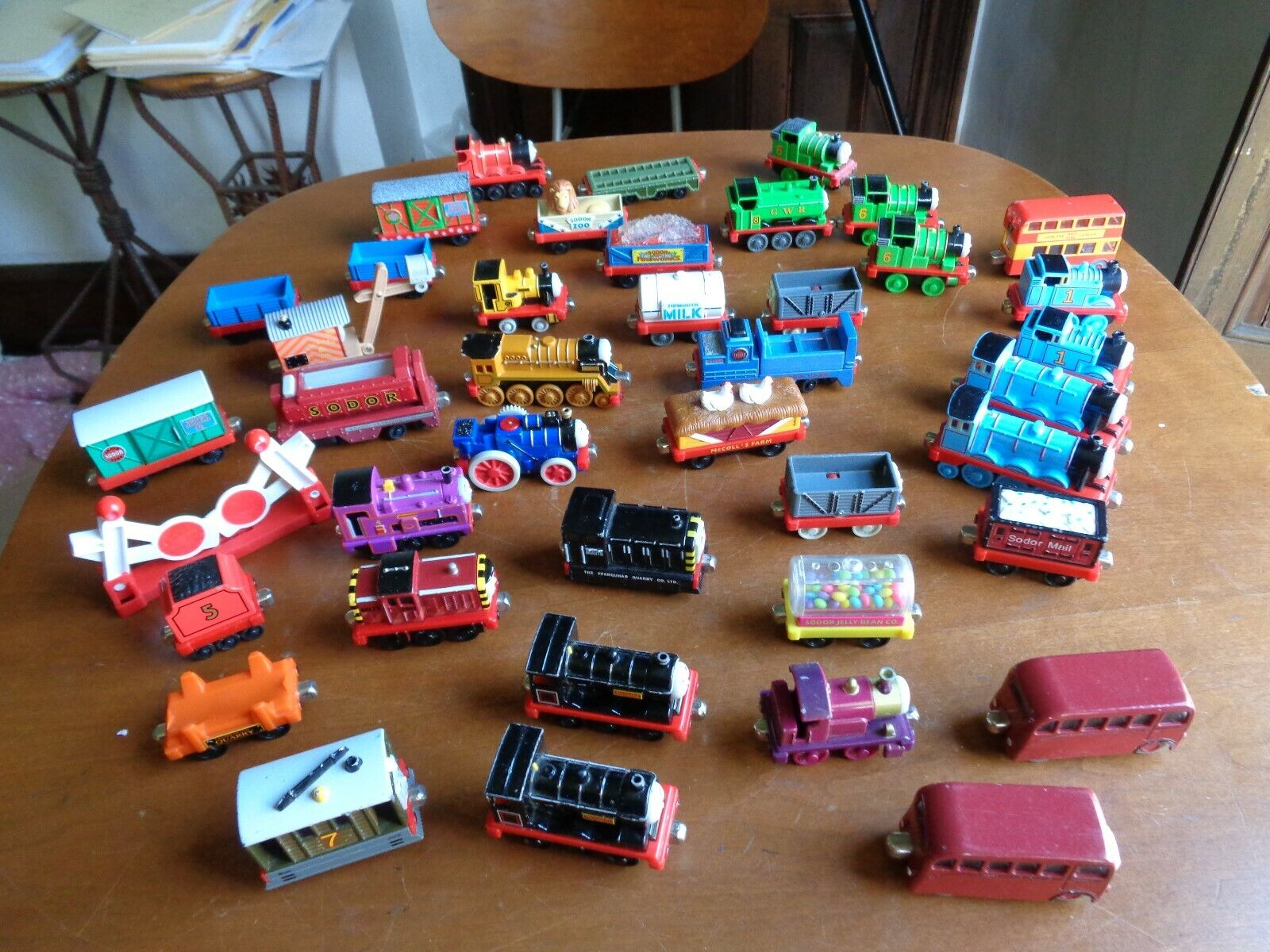 Thomas the Tank Engine y Amigos Tren Lote de 40+