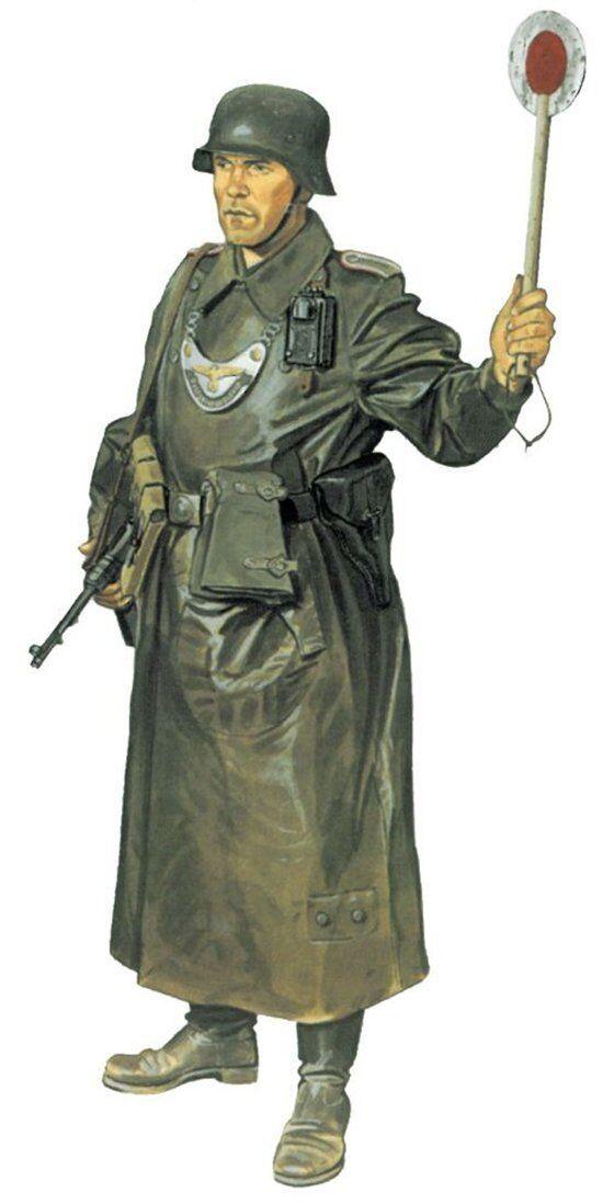Dragon 1 16 German Army Feldgendarie WWII Soldier Figure Model Kit 1618