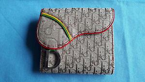 cb7cd47c8e389 Das Bild wird geladen CHRISTIAN-DIOR-Portemonnaie-mit-Logostickerei-Stoff- Leder-Neu
