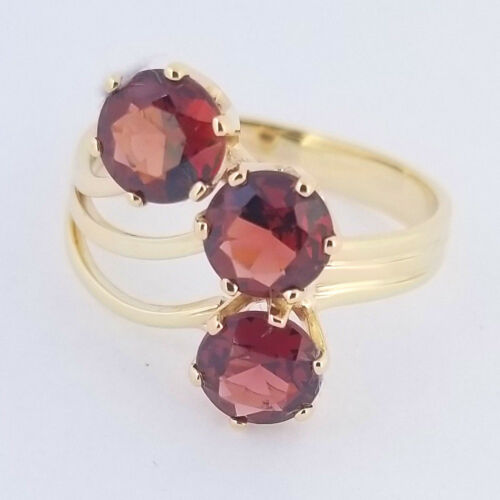 Vintage Sterling Silver Three Stone Garnet and  White Sapphire Bouquet January Ring Measuring a  Size  6.5