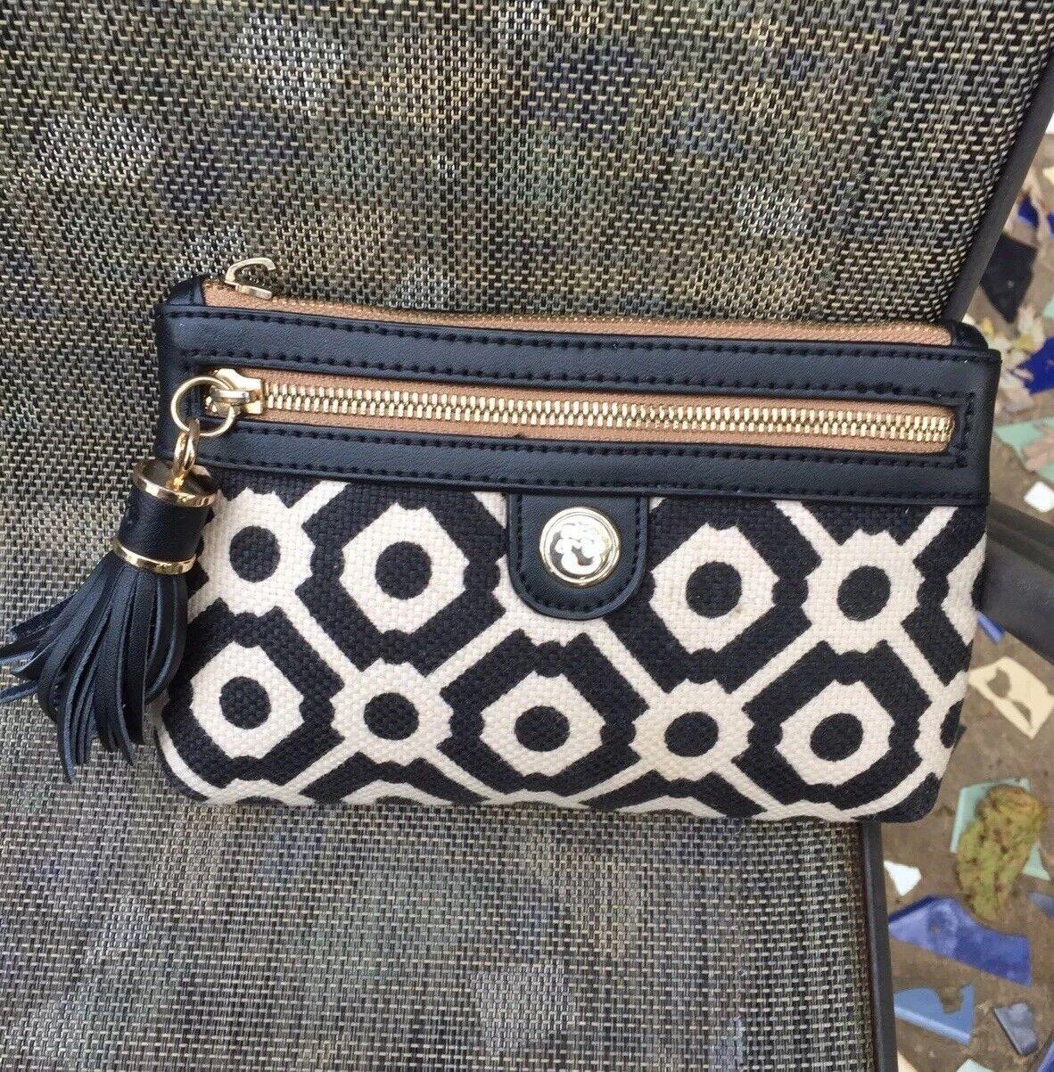 SPARTINA DAUFUSKIE ISLAND Black/white canvas w/black leather trim clutch 8
