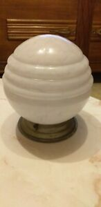 ANCIEN-PLAFONNIER-ART-DECO-BOULE-GLOBE-1930-LUMINAIRE-LAMPE-VERRE