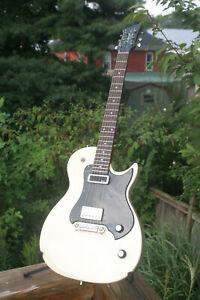2010 Godin Richmond Empire Creme - Electric Guitar - Canada