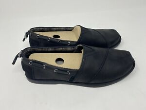 Chill Luxe Buttoned Up Flats, Black