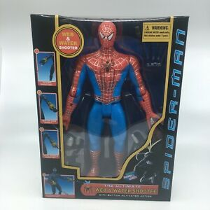 SpiderMan-Homecoming-Action-Figure-Web-Water-Slinging-Shooter-Light-Sound-30cm