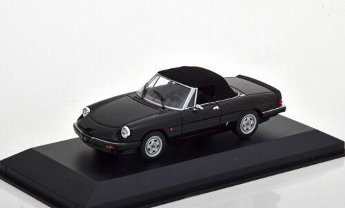 1:43 Minichamps Alfa Romeo Spider with SoftTop 1983 Black