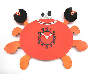 CRAB-WOODEN-CHILDRENS-KITCHEN-WALL-CLOCK-WITH-PENDULUM-NEW-amp-BOXED-WOOD