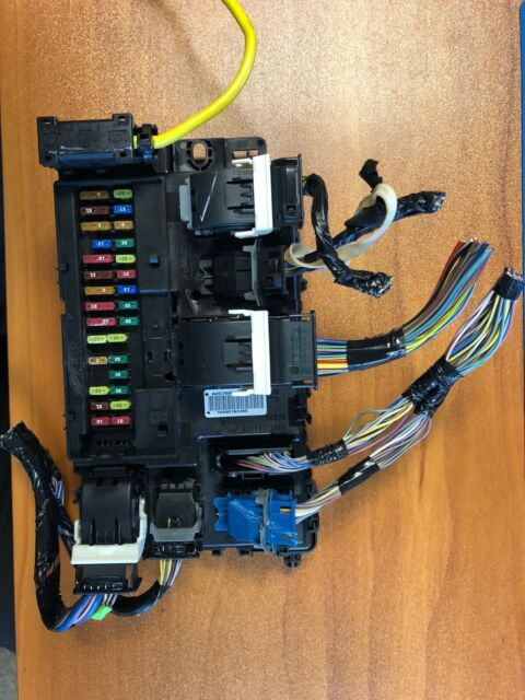 Lincoln Mkz Fuse Box Relay Module Oem