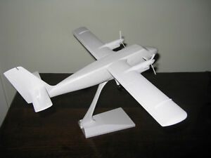 LOT-OF-3-D-H-1-48TH-TWIN-OTTER-WITH-WHEELS-DECALS-NOT-INCLUDED